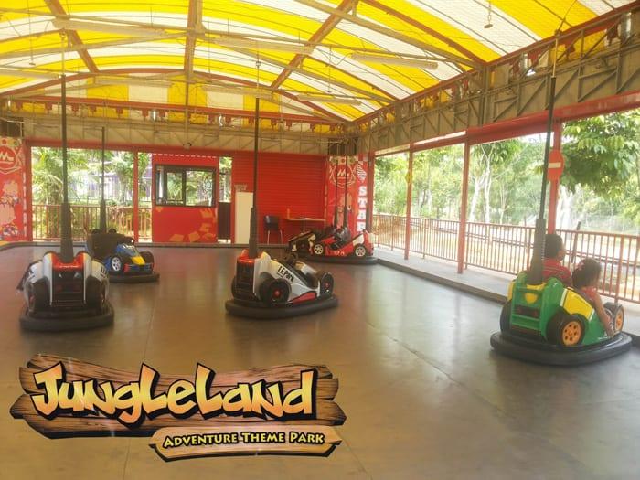 bom bom car jungleland