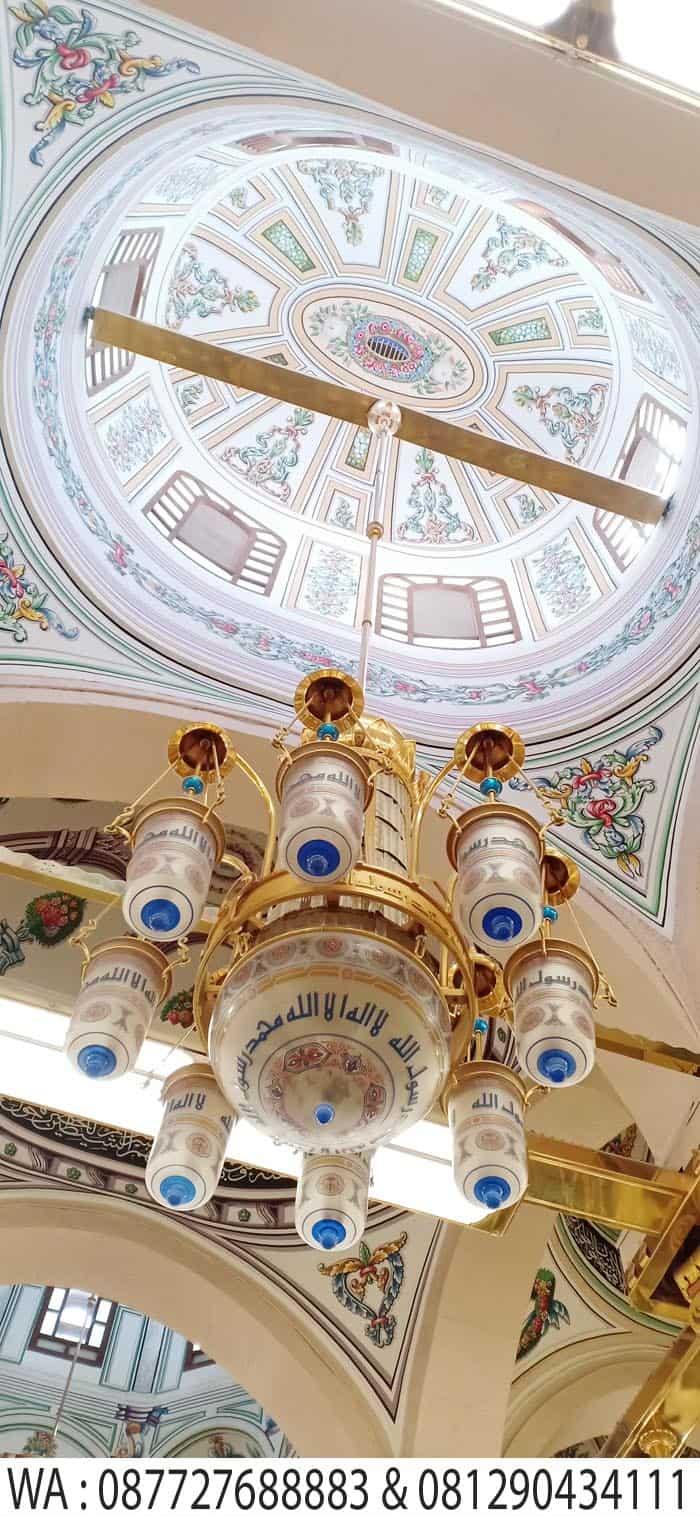 ornamen lampu raudha masjid nabawi madinah
