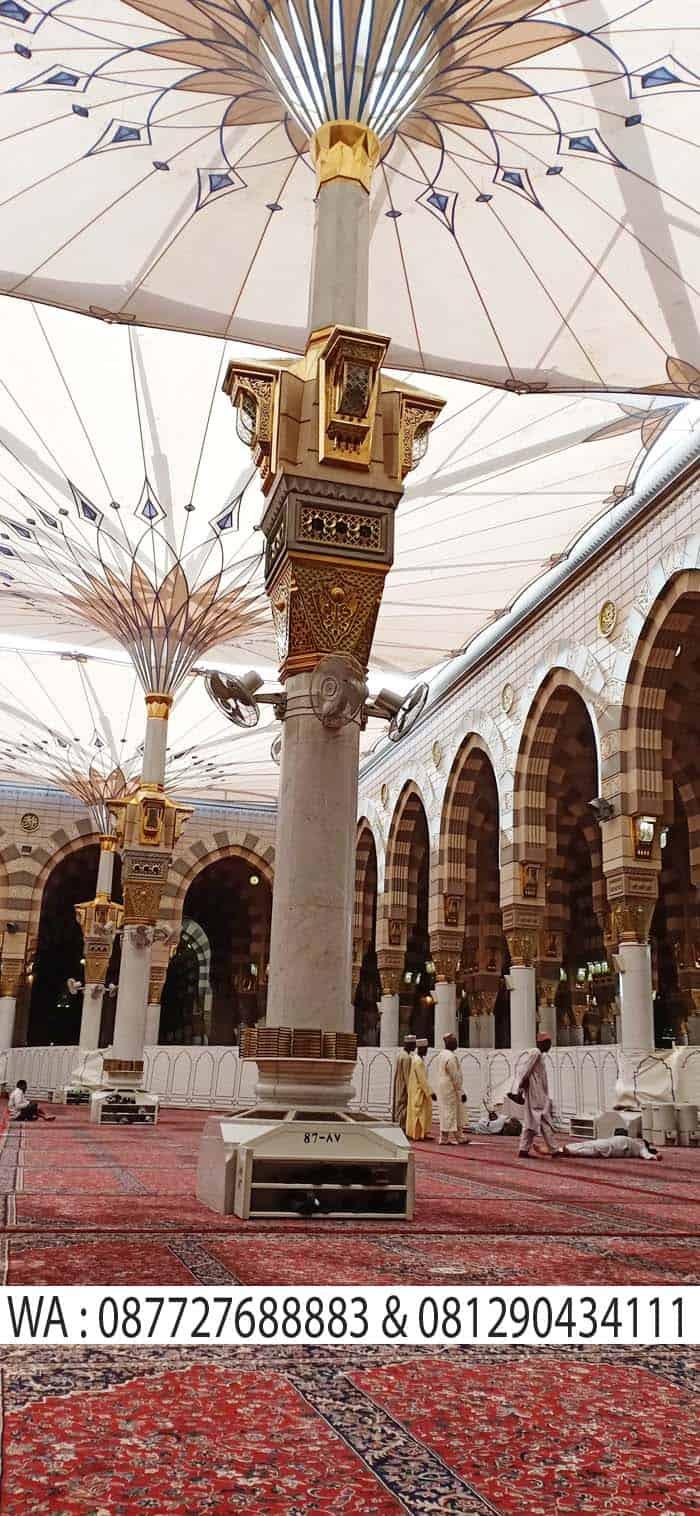 payung di dalam masjid nabawi madinah